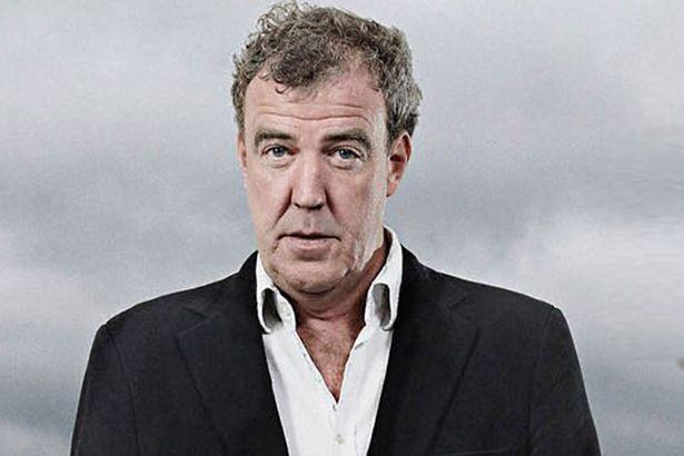 Fani Clarksona dostarczyli BBC petycje, przyjechali czołgiem