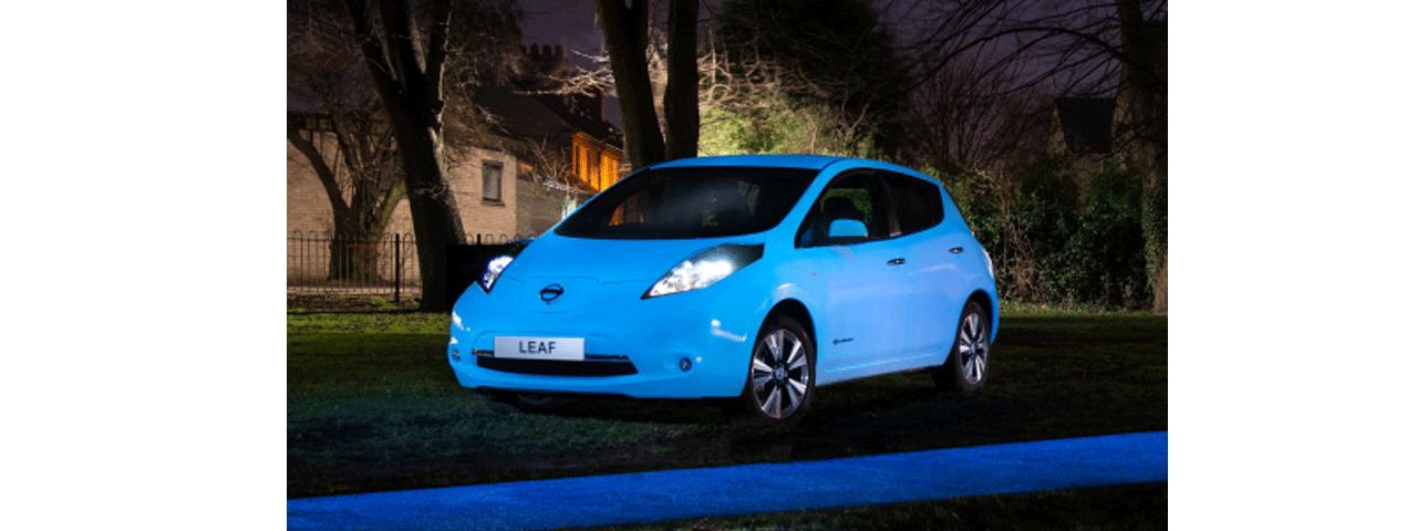 Świecący w ciemności lakier Nissana